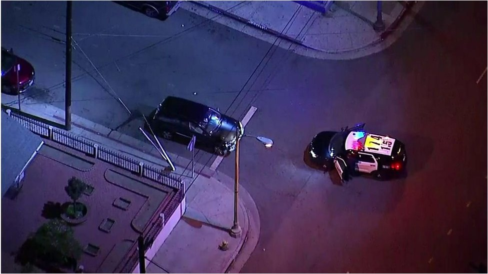Female driver leads LA police on a high-speed chase