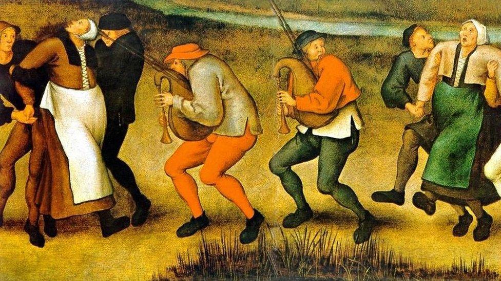 Así pintó la manía de la danza Pieter Brueghel el joven (1564-1638) a partir de dibujos de su padre.
