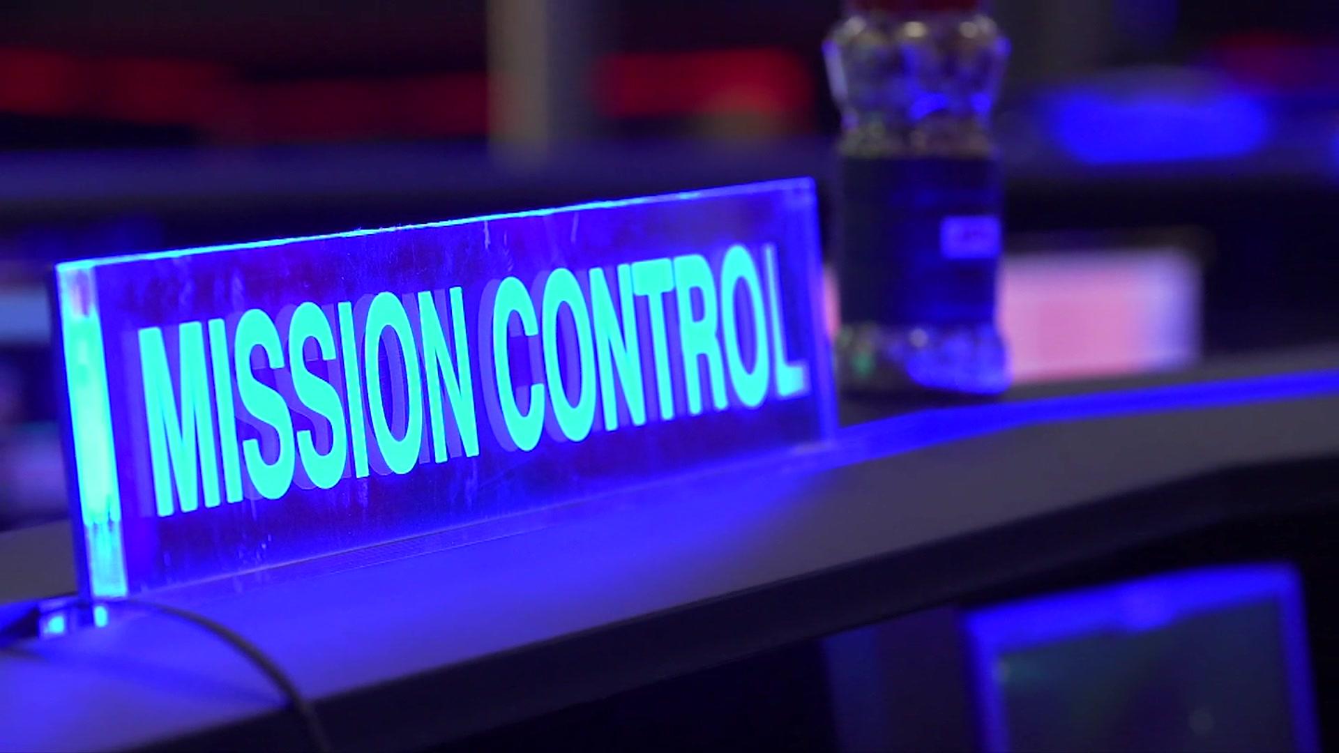 Mars InSight: Inside Nasa's mission control
