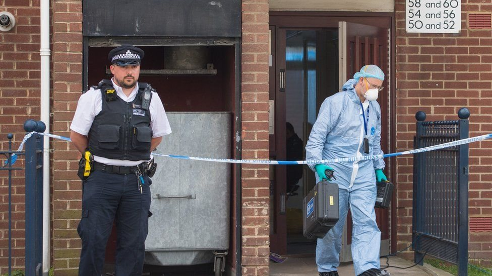 عثرت الشرطة على جثتَي امرأتين في منطقة كانينغ تاون شرقي لندن