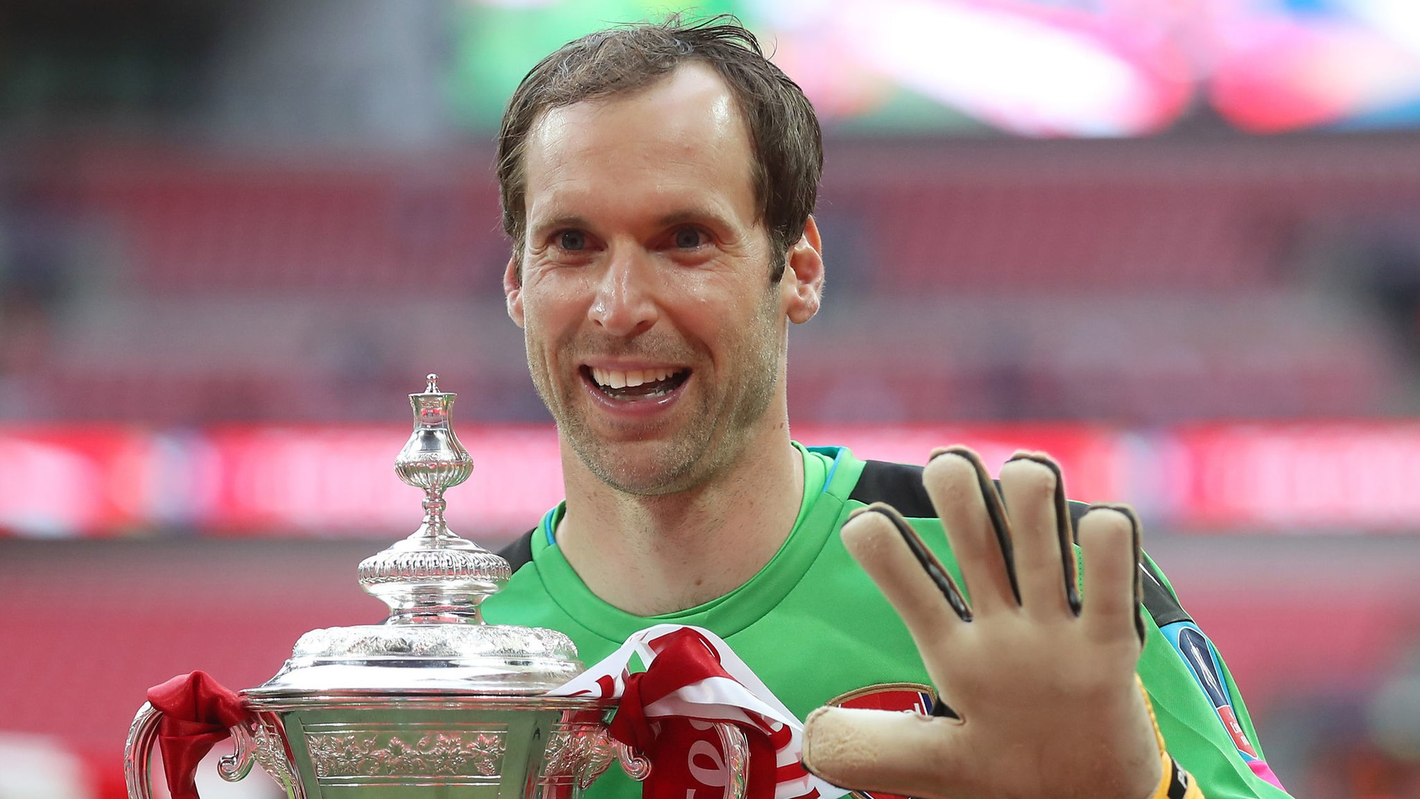 Arsenal keeper Cech to retire at end of season after 20-year career