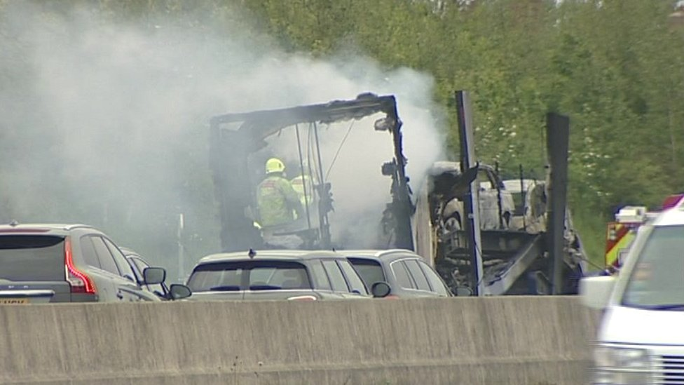 Man dies in A1 North Yorkshire crashed lorries fire