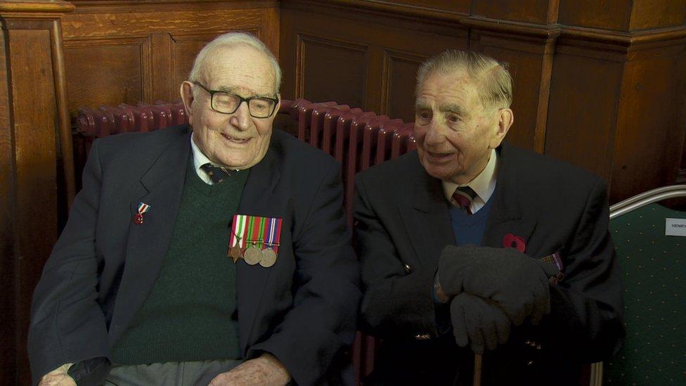 John Gilpin and a fellow World War two veteran