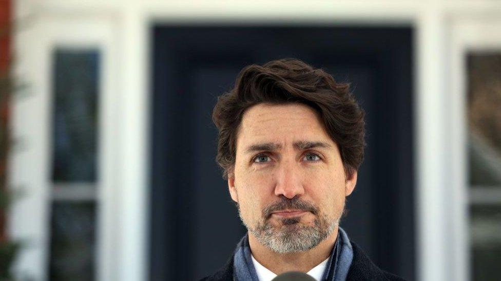 """Trudeau dice que el video le ha generado """"preguntas serias""""."""