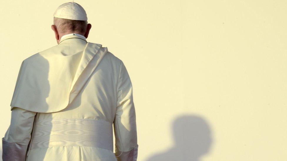 Papa Franja se ukrcava na avion u Panami