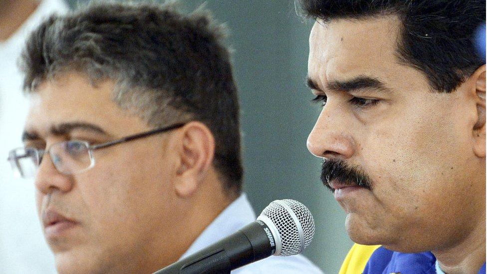 Elías Jaua y Nicolás Maduro.