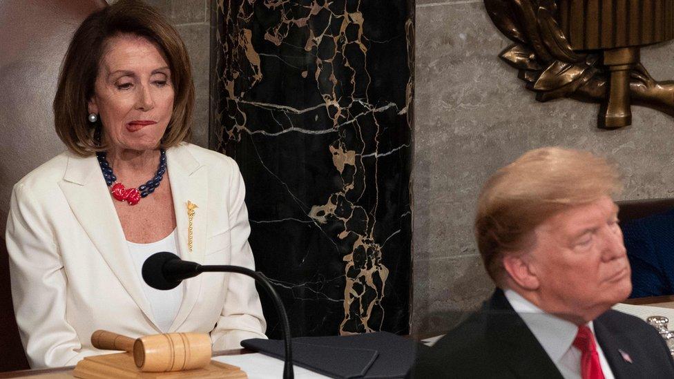 ترامب ونانسي بيلوسي