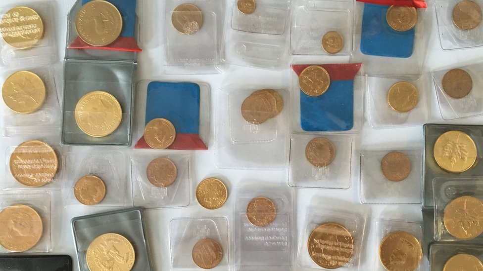 Seized gold coins (pic courtesy FIOD)