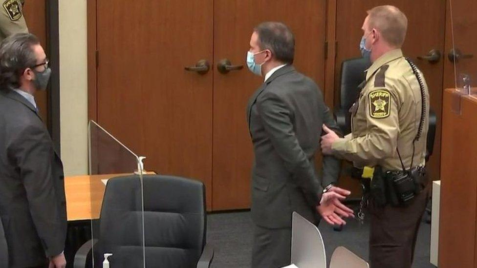 شوفين أثناء المحاكمة