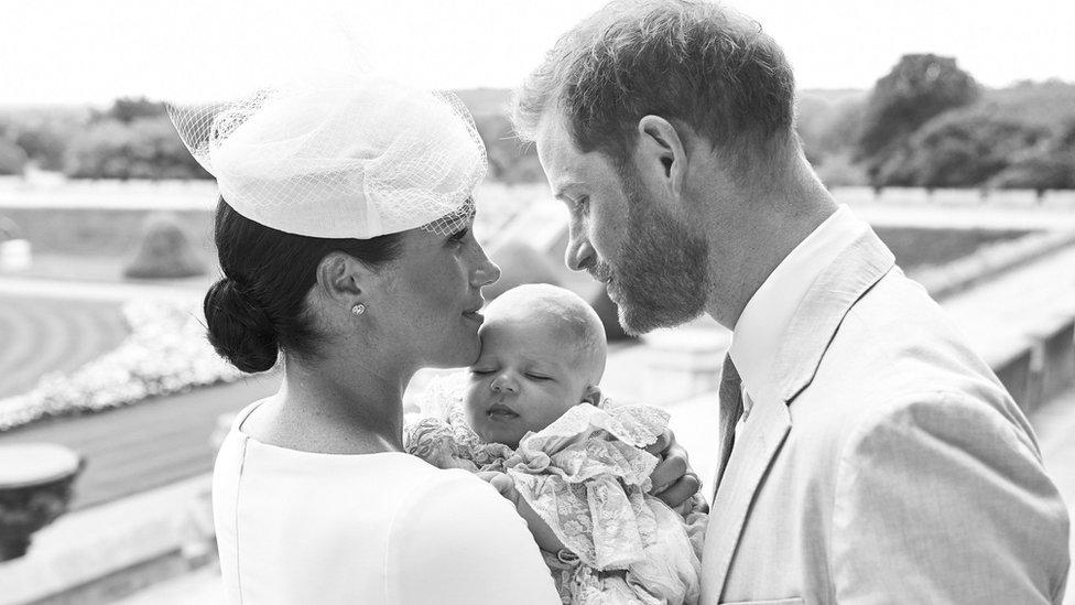 El duque y la duquesa de Sussex con su hijo Archie