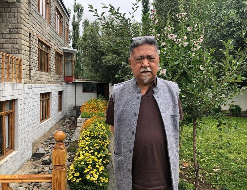 पूर्व भारतीय राजदूत, लेखक और राजनीतिक विश्लेषक पी. स्तोबदान