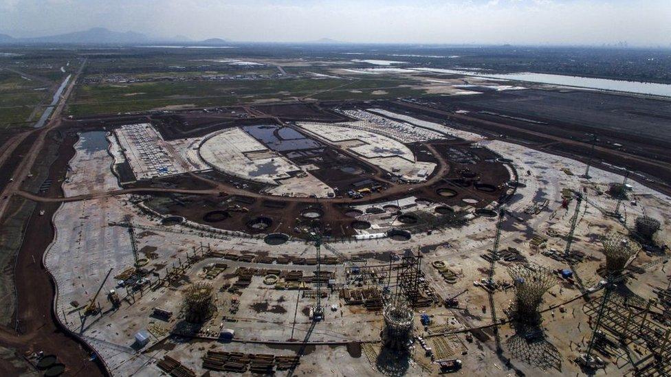 Aeropuerto de México cuando estaba en construcción.