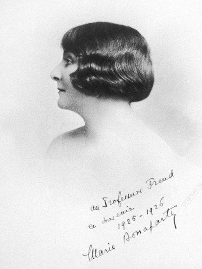 Foto de Marie Bonaparte dedicada a Freud.