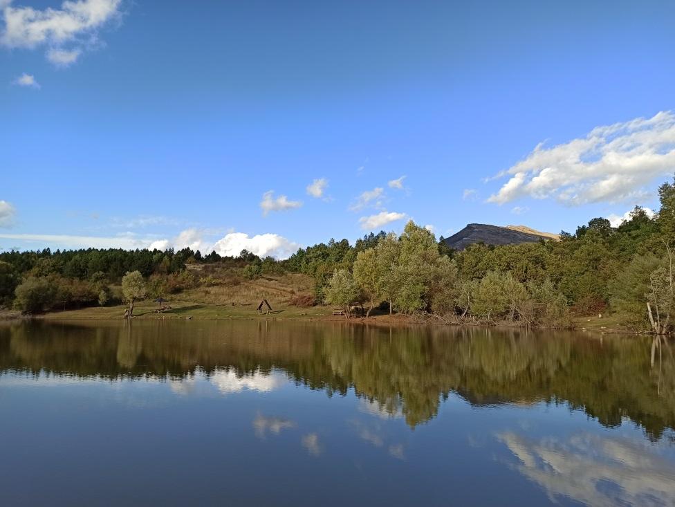 Vrmdžansko jezero
