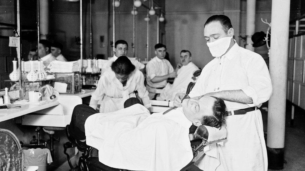 Barbería en Chicago en 1918