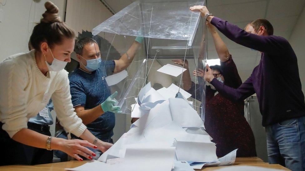 Muhalefet Tomsk şehir konseyinde en fazla oyu aldığını söylüyor.