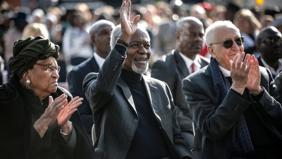 Liberian politician Ellen Johnson Sirleaf (L), former secretary-general of the United Nations Kofi Annan, former Algerian United Nations politician Lakhdar Brahimi (R) attend the Elders walk together in Johannesburg on 18 July 2018