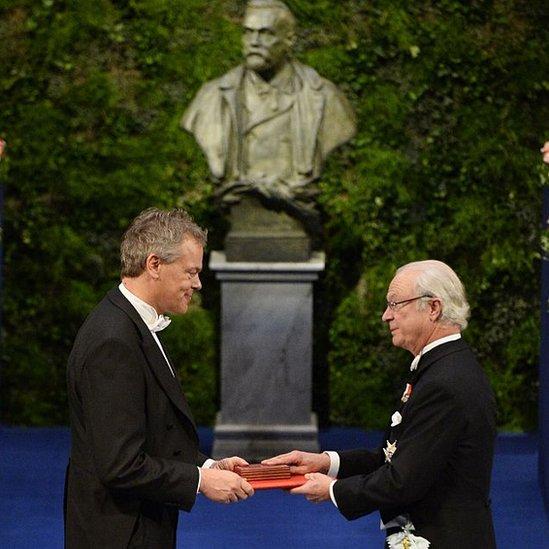 Edvard Moser recibiendo el Nobel de Medicina 2014.