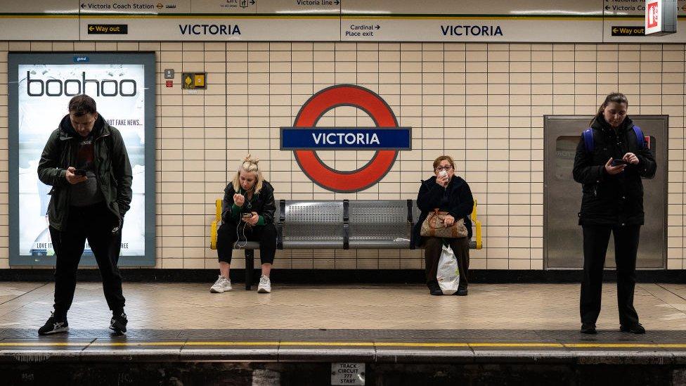 Estación de metro, Londres.