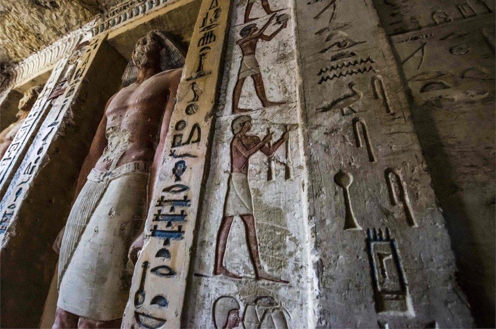 La tumba privada es parte de una vasta y antigua necrópolis en Saqqara, donde se encuentran las primeras pirámides egipcias.
