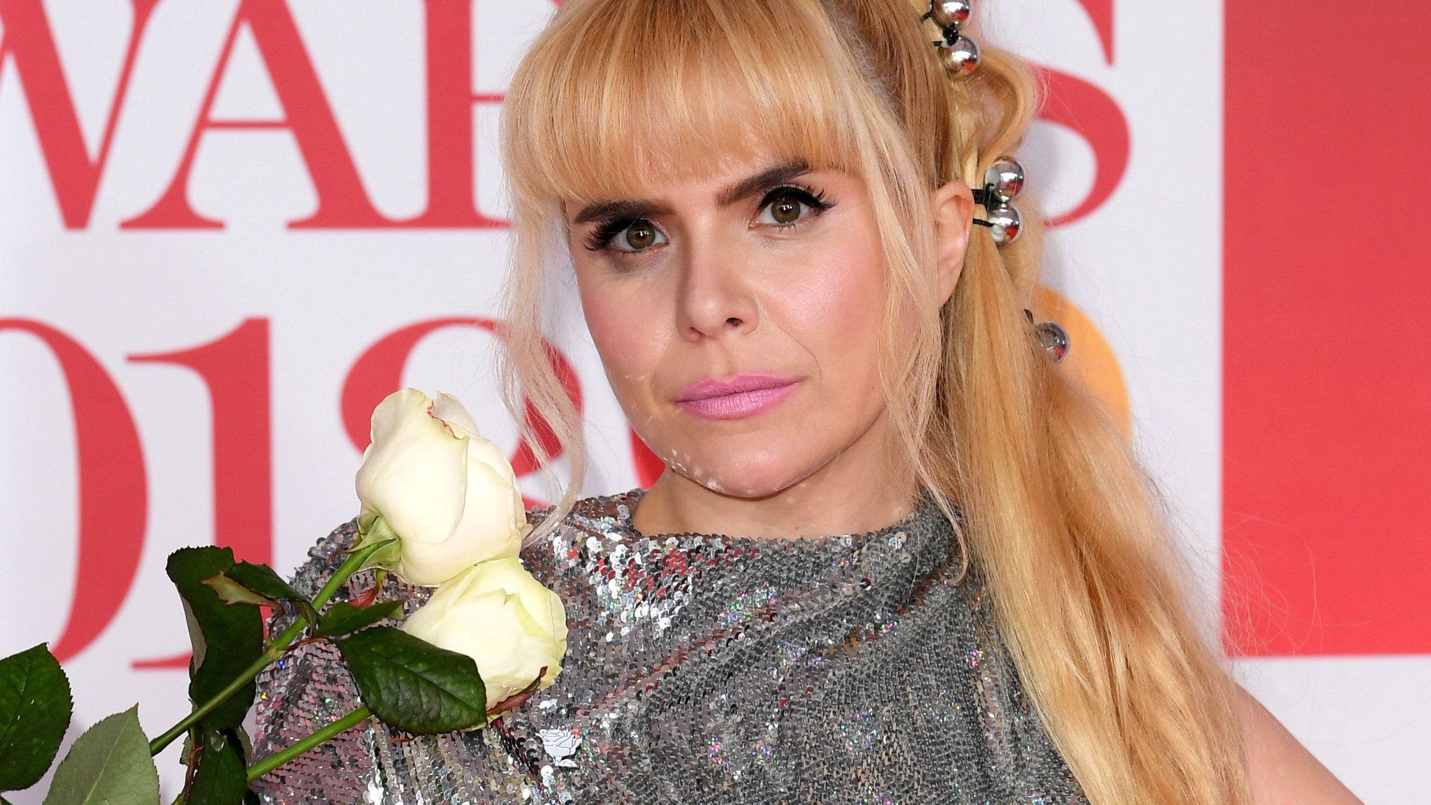 BBC News - Brit Awards 2018: White roses on the red carpet, but Paloma Faith's upset