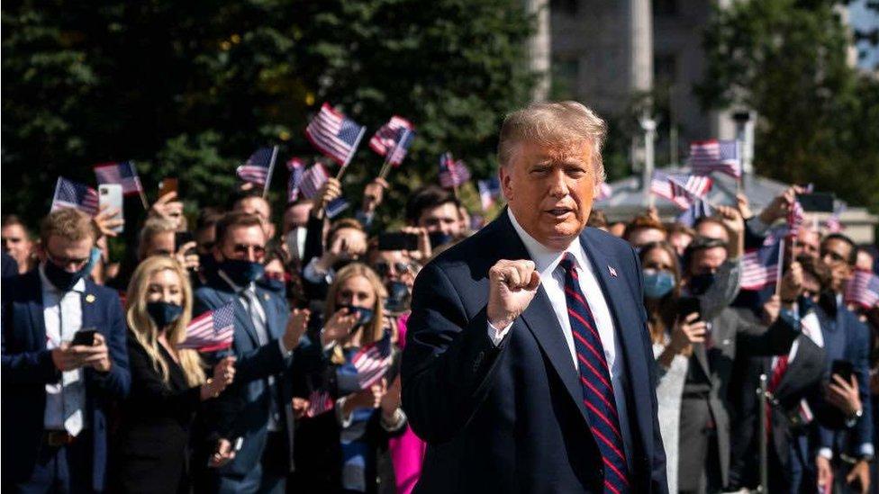 Trump indo para o primeiro debate presidencial de 2020