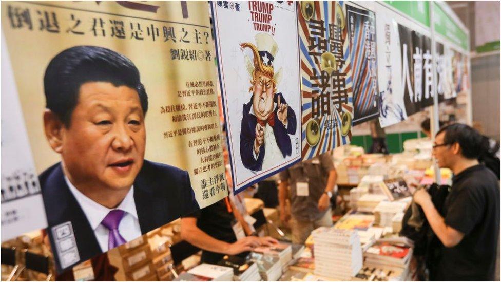 在往年香港書展中,政治書籍備受關注。