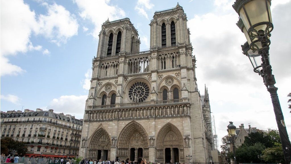 Paris mayor plans to pedestrianise city centre