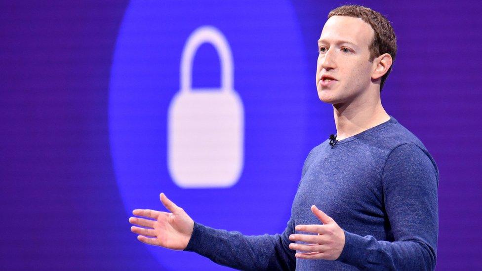 Mark Zuckerberg'in cep telefonu numarasının da sızdırılan veriler arasında yer aldığı iddia ediliyor