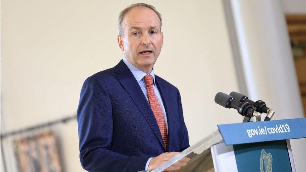 Coronavirus Republic Of Ireland S Pubs To Stay Closed Bbc News