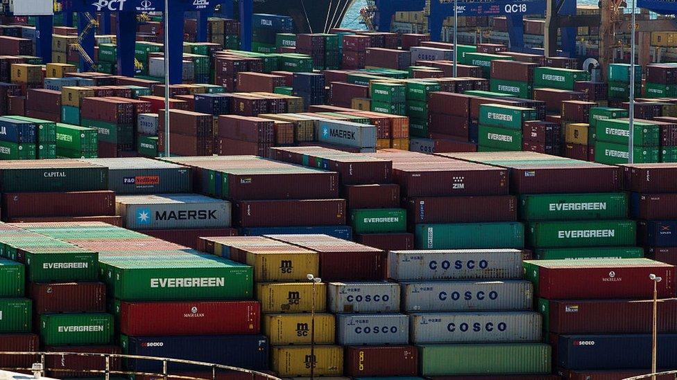 Contenedores en el puerto del Pireo.
