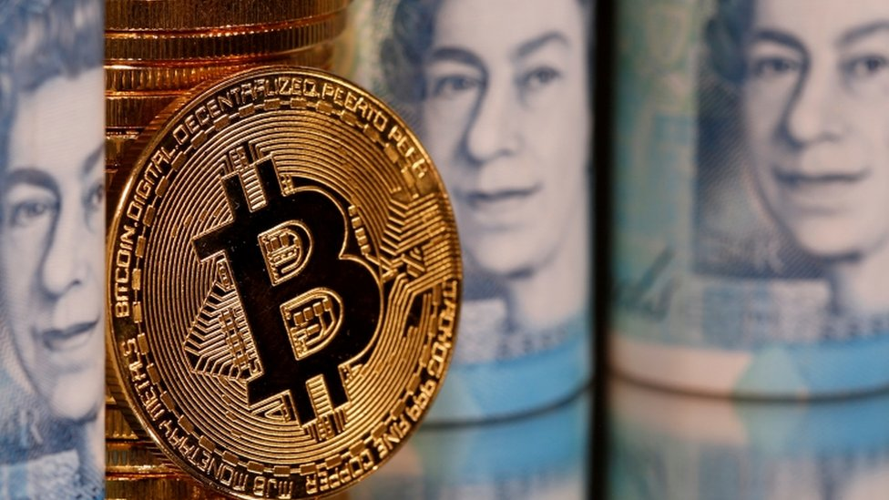 Bitcoin value surges past $30,000 (£22,000) for first time thumbnail
