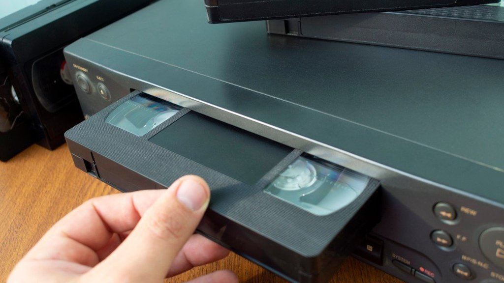 Thank-you note for VHS player melts hearts
