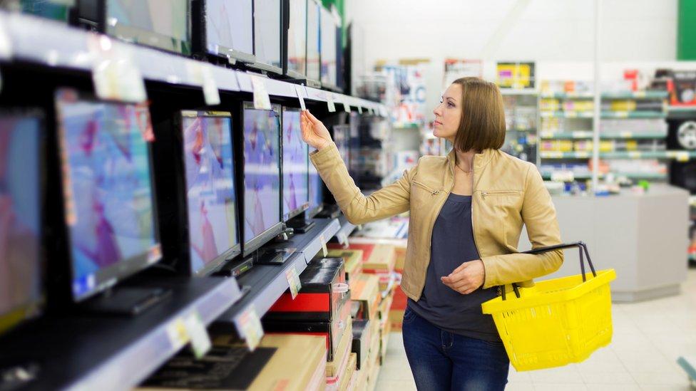 Tienda con televisores