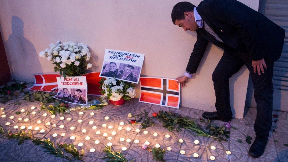 Vigilia en honor a las dos mujeres asesinadas en Marruecos