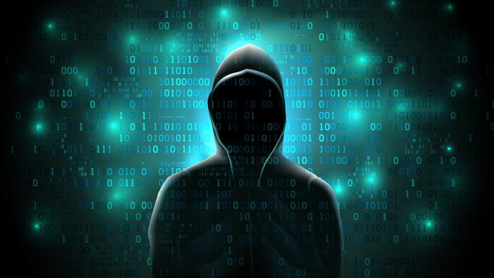 El Grupo NSO niega las acusaciones y asegura que se dedica a crear lo que llama herramientas contra el crimen y el terrorismo.