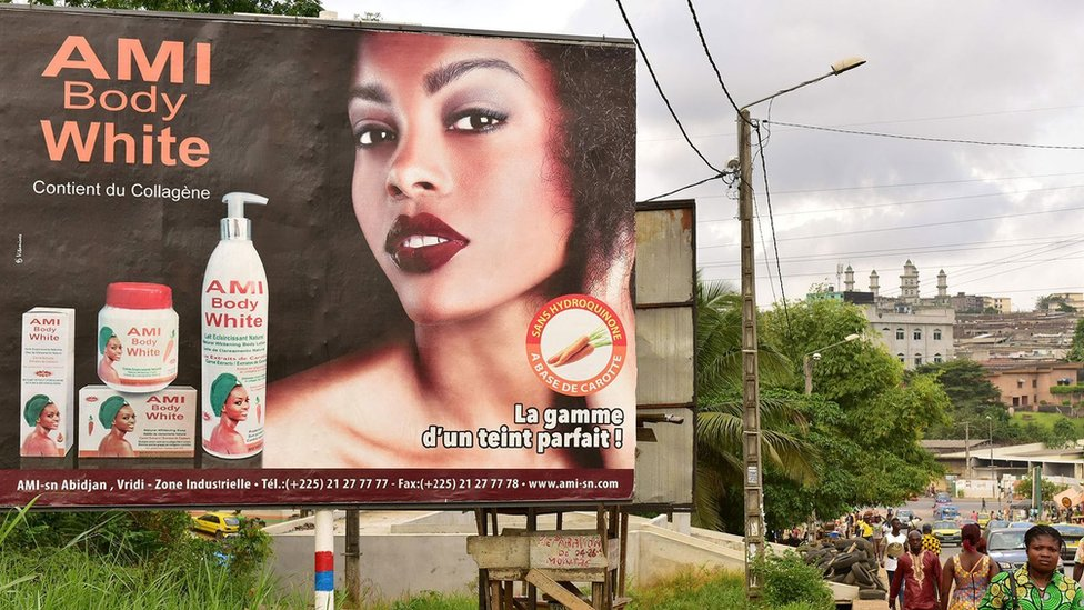 إعلان لمستحضرات تبييض البشرة في ساحل العاج