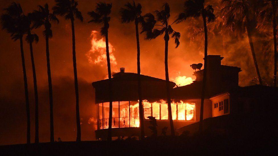 Casa incendiada en Malibú.
