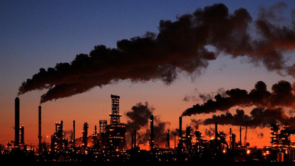 Мировой энергетический кризис углубляется. Сначала не хватало газа, а теперь еще и нефти