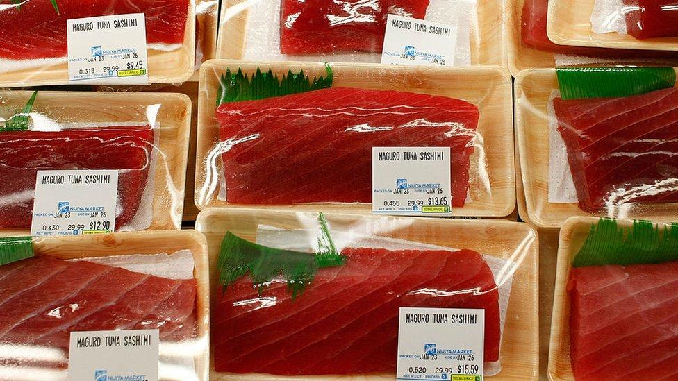 Un paquete de pescado