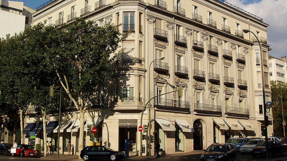 Edificio en la milla de oro de Madrid.