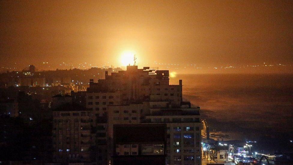 جانب من قصف إسرائيلي على قطاع غزة