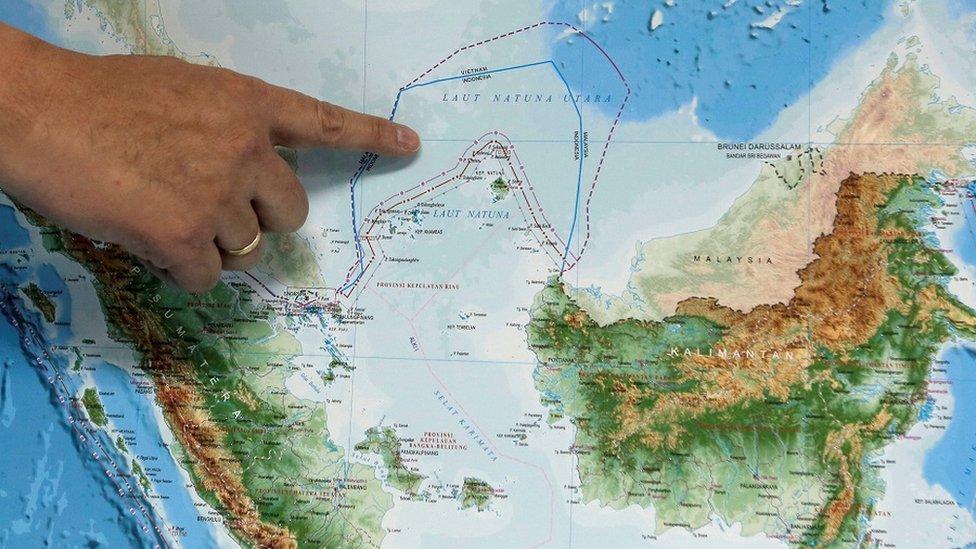 納土納群島