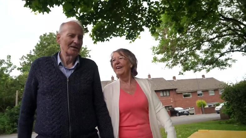 Dave Smith com a mulher, Lynda