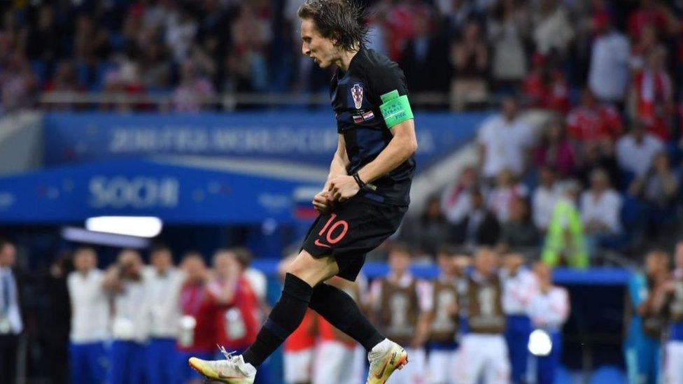لوكا مودريتش هو العمود الفقري لنادي ريال مدريد الإسباني ومنتخب كرواتيا