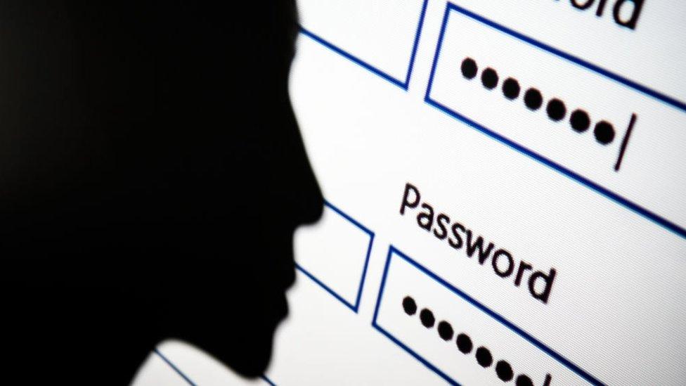 """""""Admin"""" і """"12345"""": У Каліфорнії частково заборонять примітивні паролі"""