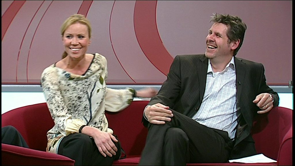 Dianne Oxberry: Tributes paid to former BBC Inside Out presenter