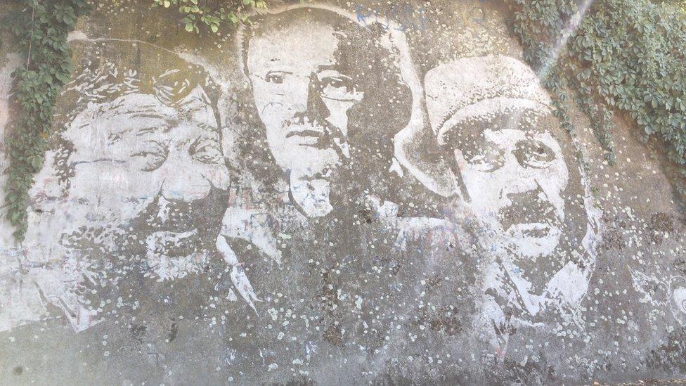 Mural Pavla Vuisića, Mustafe Nadarević i Borisa Dvornika u Brčkom