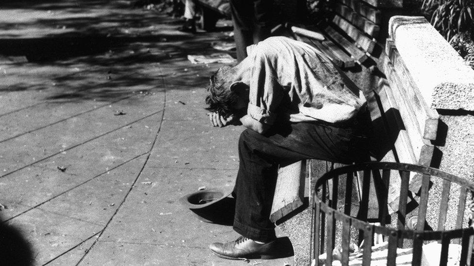 Un mendigo durante la Gran Depresión en EE.UU.