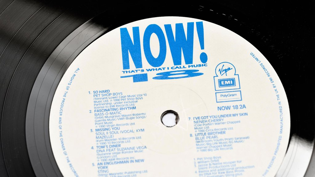 The vinyl of Now That's What I Call Music 18